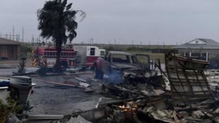 飓风哈维冲击德克萨斯州圣体市的一个地方造成的灾害现场。