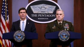 ABD Savunma Bakanı Mark Esper (solda) ve ABD Genelkurmay Başkanı Mark Milley