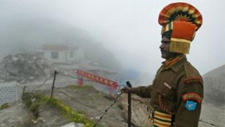 Askari wa India, akiwa katika mpaka na China - Beijing mara kwa mara imesema kuwa eneo hilo ni lake