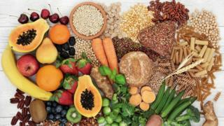 Fruits, wholemeal grains and healthy oils