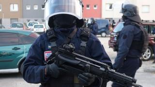 أفراد بالشرطة الفرنسية