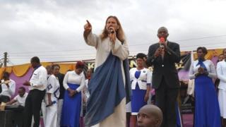 Michael Job dey preach inside crusade for Kenya