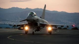 """طائرة مقاتلة من طراز """"تايفون"""""""