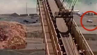 تفاصيل نجاة أحد العاملين من انهيار سد البرازيل