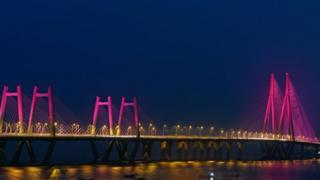 Bandra-Worli-Sea-link-lit-purple.