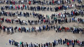 Kenyans line up to vote in 2017 elections
