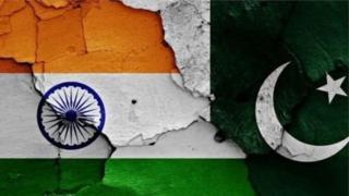 இந்திய பாகிஸ்தான் கொடிகள்