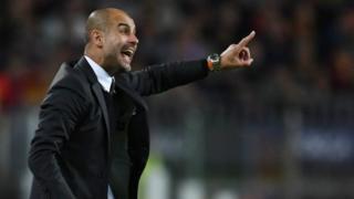 Pep Guardiola yana bayar da umarni lokacin wasansu