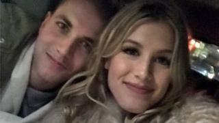 """Eugenie Bouchard tweets a selfie with her """"Super Bowl Twitter date"""""""
