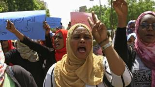 Protesters in Khartoum demanding a civilian government, April 2019