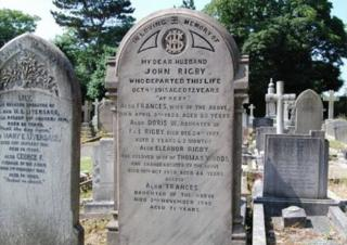 La tumba de Eleanor Rigby en el cementerio de la iglesia de San Pedro de Wolton, un barrio de Liverpool, en el noreste de Inglaterra.