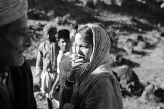 Devika Rani and Kamta Prasad/Izzat