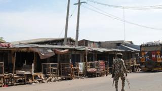 Des hommes armés ont tué dix-sept personnes dans un marché aux poissons à Konduga au nord-est du Nigéria (Illustration)