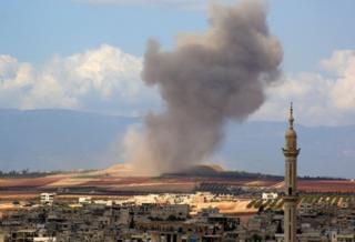 Tahran'daki zirve başlamadan hemen önce İdlib Cuma sabahı savaş uçakları tarafından bombalandı