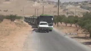 خروج تعدادی از پناهجویان سوری و شورشیان از لبنان