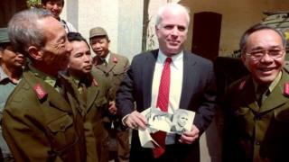John McCain nhiều lần quay trở lại Việt Nam