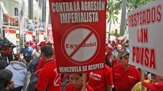 Movilización de chavistas contra Exxon Mobil.
