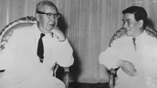 Tổng thống Đệ nhất Cộng hòa Đại Hàn Lý Thừa Vãn và Tổng thống Đệ nhất VNCH Ngô Đình Diệm vào năm 1958