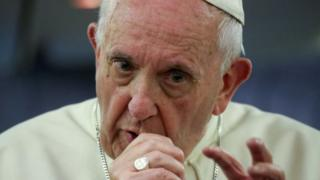 Le pape François est vivement critiqué pour ses propos tenus dans le dossier incriminant Mgr Barros.