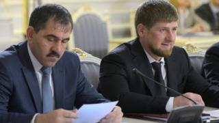 Евкуров и Кадыров (слева направо) во время заседания правительственной комиссии в 2013 году