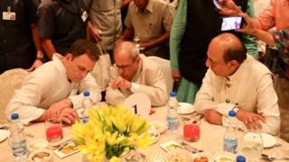 राहुल की इफ़्तार पार्टी