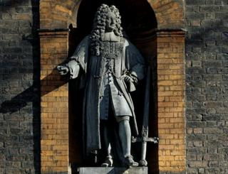 Statue of Sir Robert Geffrye on museum
