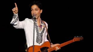 Prince performs at Coachella in 2008