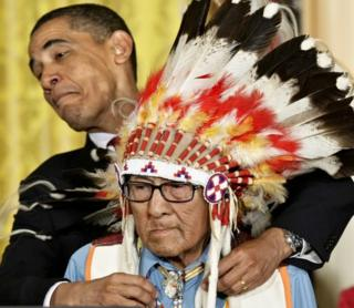 Barack Obama presents Joe Medicine Crow with the Presidential Medal of Freedom