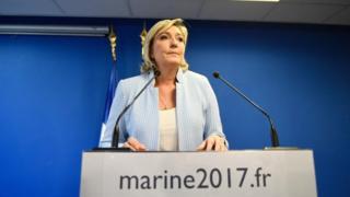 Le Pen waxay ku dhawaaqday in ay u tartamayso madaxtinimada sannadka dambe