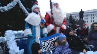 Запалення новорічної ялинки у Луганську