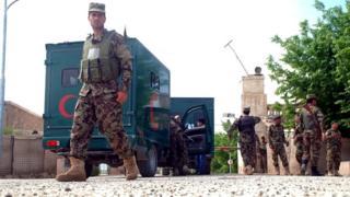 Căn cứ phía ngoài Mazar-e Sharif