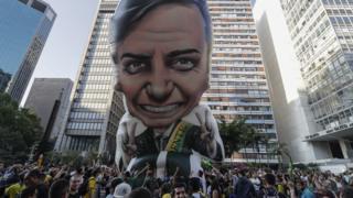 Jair Bolsonaro (PSL), líder nas pesquisas das eleições 2018, não deve participar da campanha nas ruas