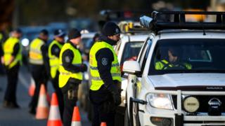 New South Wales police check vehicles on border - 8 July