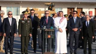 الرئيس التركي في قاعدة عسكرية تركية في الدوحة في نوفمبر/تشرين الثاني 2017