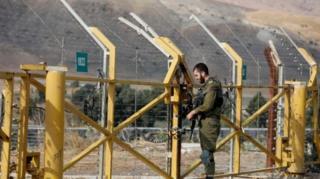 Gerbang perbatasan ditutup pada hari Minggu sore (10/11).