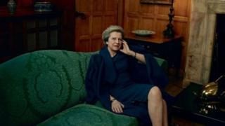 英國首相特里莎·梅為《時尚》雜誌美國版拍攝了一系列照片。