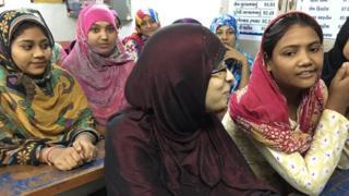 गुजरात में पढ़तीं मुस्लिम लड़कियां