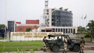 Inyubakwa ikoreramwo radiyo na television vya Gabon, i Libreville, abajejwe umutekano bayiri imbere uno munsi itariki 07/01/2019