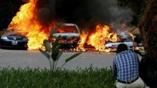 รถยนต์ถูกไฟไหม้ในกรุงไนโรบี
