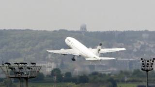 هفته گذشته، وزارت خزانهداری آمریکا مجوز فروش ۱۰۶ هواپیمای مسافربری به ایران را برای شرکت ایرباس فرانسه صادر کرد.