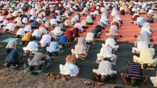 in_pictures Worshippers in Djibouti