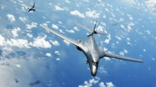 เครื่องบินทิ้งระเบิด บี-วันบี แลนเซอร์ ของกองทัพสหรัฐฯ เข้าร่วมการซ้อมรบกับกองกำลังป้องกันตนเองของญี่ปุ่น