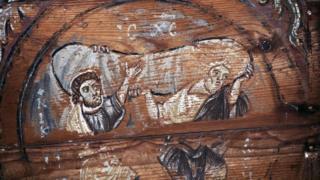 الحكم في مصر بإعدام راهبين اثنين بعد إدانتهما بقتل رئيس دير الأنبا أبو مقار في يوليو/تموز العام الماضي