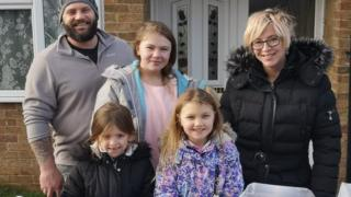 Lady's charity lemonade stand for bushfire reduction a hit thumbnail