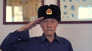70年前,中共在北京建政,有約兩萬餘名士兵參加閲兵,朱振德是如今為數不多健在的見證者。