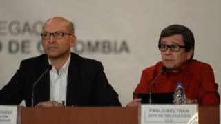 The head of the delegation of the Colombian government Mauricio Rodriguez (L) and Colombia's left-wing guerrilla National Liberation Army (ELN) delegate Pablo Beltran attend a joint press conference at the Foreign Ministry in Caracas