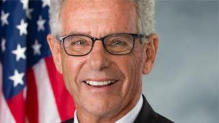 Dân biểu liên bang Alan Lowenthal