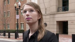 Челси Мэннинг у здания федерального суда в Александрии, штат Вирджиния, 8 марта 2019 года