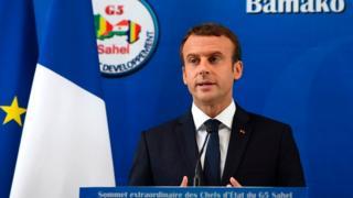 Le président français Emmanuel Macron a promis dimanche 2 juillet à Bamako d'aider les pays du G5 Sahel