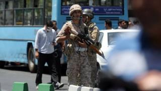 Güvenliği sağlamak için Meclis yakınlarına askerler gönderildi